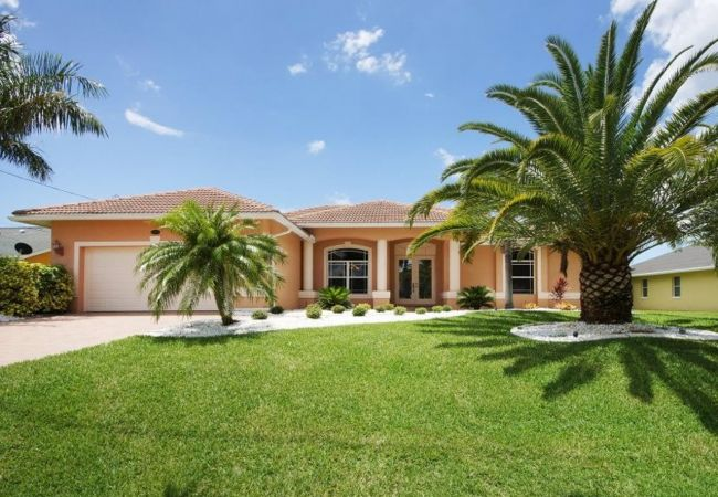 House in Cape Coral - Bahama
