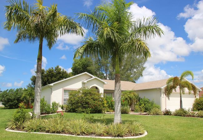 House in Cape Coral - Yvonne
