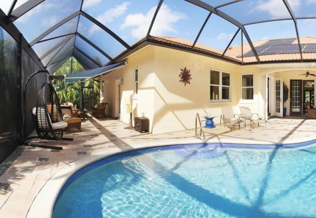 House in Fort Myers - Country Club Residence